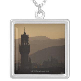 Italia, Florencia, torres en ciudad en la oscurida Grimpolas Personalizadas