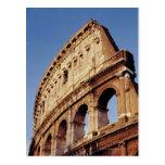 Italia, Lazio, Roma, el Colosseum en la puesta del Postal