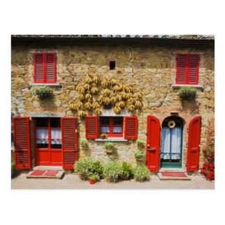 Italia, Lucignano, obturadores rojos y cosecha Tarjeta Postal