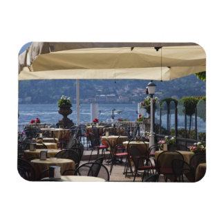 Italia, provincia de Como, Bellagio. Café de la or Imán Rectangular