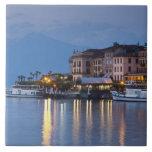 Italia, provincia de Como, Bellagio. Opinión de la Azulejo Cuadrado Grande