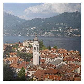 Italia, provincia de Como, Menaggio. Opinión de la Azulejo Cuadrado Grande