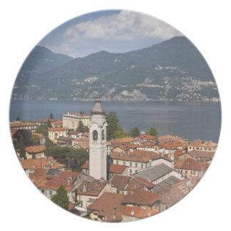 Italia, provincia de Como, Menaggio. Opinión de la Platos De Comidas
