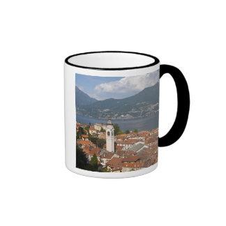 Italia, provincia de Como, Menaggio. Opinión de la Taza De Café