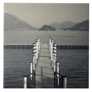 Italia, provincia de Como, Tremezzo. Embarcadero d Azulejo Cuadrado Grande