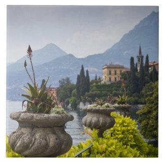 Italia, provincia de Lecco, Varenna. Chalet Monast Azulejo Cuadrado Grande