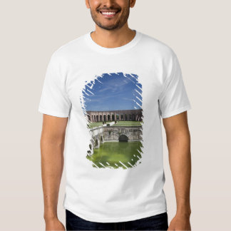Italia, provincia de Mantua, Mantua. Patio, Remera