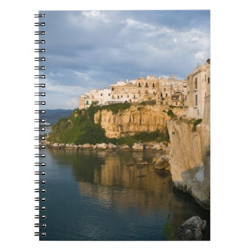 Italia, Puglia, Promontorio del Gargano, Vieste, Libretas