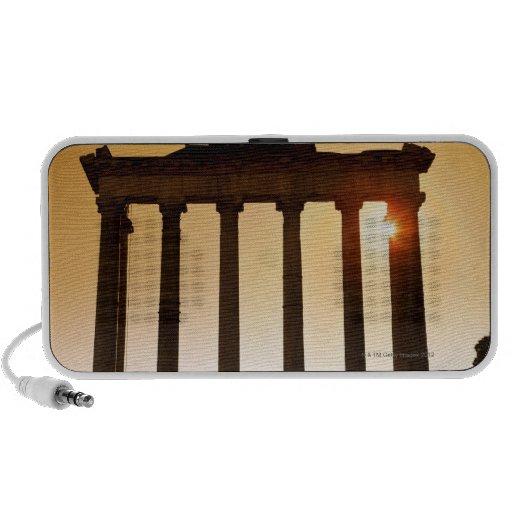 Italia, Roma, foro romano, templo de Saturn Mini Altavoces