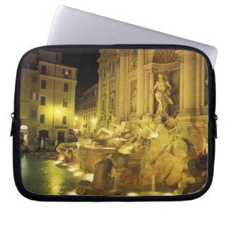 Italia, Roma. Fuente del Trevi en la noche Funda Ordendadores