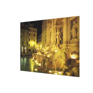 Italia, Roma. Fuente del Trevi en la noche Impresion En Lona