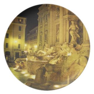 Italia, Roma. Fuente del Trevi en la noche Plato De Cena