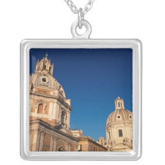 Italia, Roma, iglesia de Santa María di Loreto y Joyerías