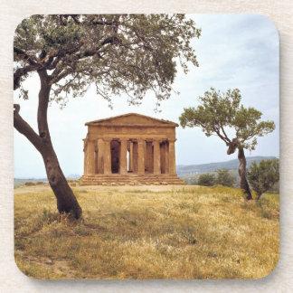 Italia, Sicilia, Agrigento. Las ruinas de los 2 Apoyavasos
