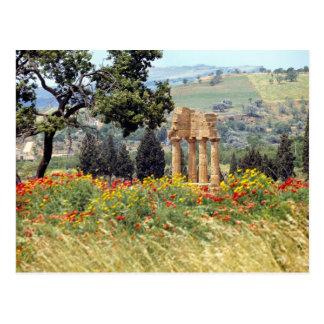 Italia, Sicilia, Agrigento. Las ruinas del Postales