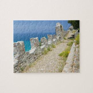 Italia, Sicilia, Cefalu, calzada de Cliffside, La Puzzle