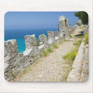 Italia, Sicilia, Cefalu, calzada de Cliffside, La Tapetes De Raton