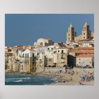 Italia, Sicilia, Cefalu, opinión de la ciudad con  Impresiones