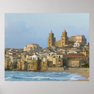 Italia, Sicilia, Cefalu, visión con el Duomo a par Póster