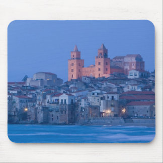 Italia, Sicilia, Cefalu, visión con el Duomo de Mousepad