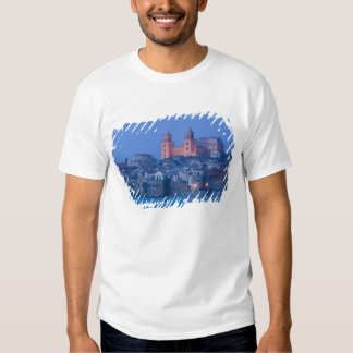 Italia, Sicilia, Cefalu, visión con el Duomo de Poleras