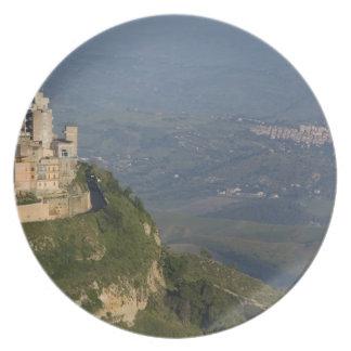 Italia, Sicilia, Enna, opinión de la ciudad de los Plato De Cena