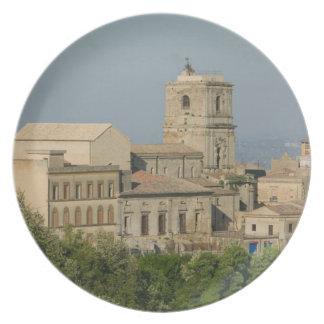Italia, Sicilia, Enna, opinión de la ciudad de los Platos De Comidas