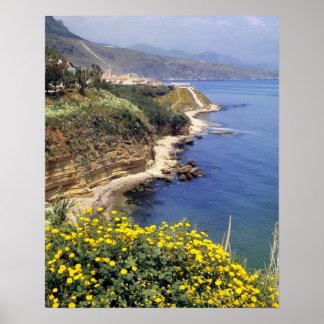 Italia, Sicilia. La costa del norte de Sicilia ade Póster