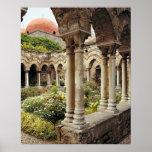 Italia, Sicilia, Palermo. Los claustros sobreviven Poster