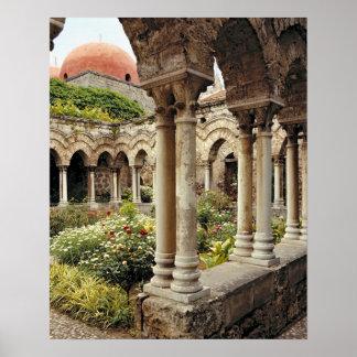 Italia, Sicilia, Palermo. Los claustros sobreviven Póster