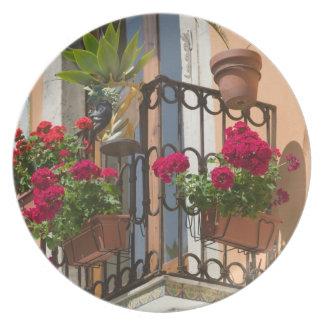 ITALIA, Sicilia, TAORMINA: Corso Umberto 1, Platos