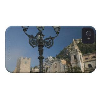 ITALIA, Sicilia, TAORMINA: Plaza IX Aprile, San iPhone 4 Case-Mate Carcasas