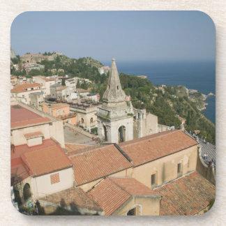 ITALIA, Sicilia, TAORMINA: Vea hacia la plaza IX Apoyavasos