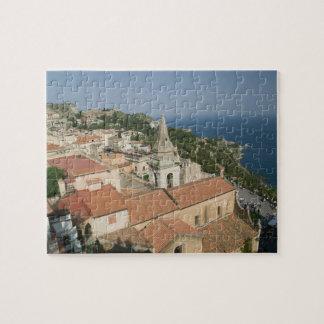 ITALIA, Sicilia, TAORMINA: Vea hacia la plaza IX Puzzle