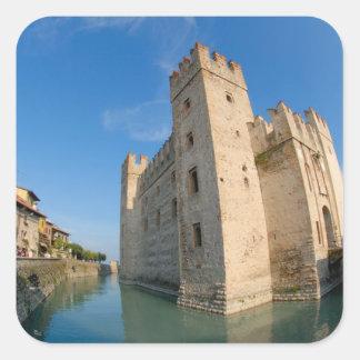 Italia, Sirmione, lago Garda, el Scaliger Pegatina Cuadrada