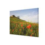 Italia, Toscana, chalet toscano en primavera con Impresion De Lienzo
