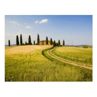 Italia, Toscana, chalet toscano que acerca a la Postales