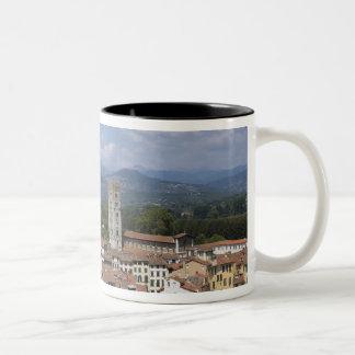 Italia, Toscana, Lucca, vista de la ciudad y 4 Tazas De Café