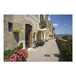 Italia, Toscana, Pienza. Calzada externa alrededor Cojinete