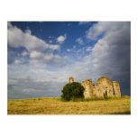 Italia, Toscana, ruina de la iglesia vieja en Tosc Postales