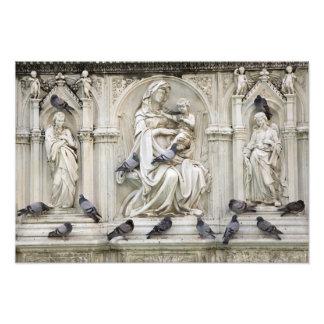Italia, Toscana, tierra de Siena. Estatuas y pájar Cojinete