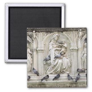 Italia, Toscana, tierra de Siena. Estatuas y pájar Imán Cuadrado