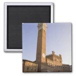 Italia, Toscana, tierra de Siena. Torre del Mangia Imán Cuadrado