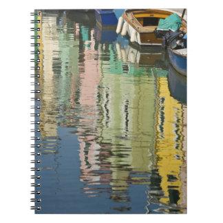 Italia, Venecia, Burano. Casas multicoloras adelan Libro De Apuntes Con Espiral