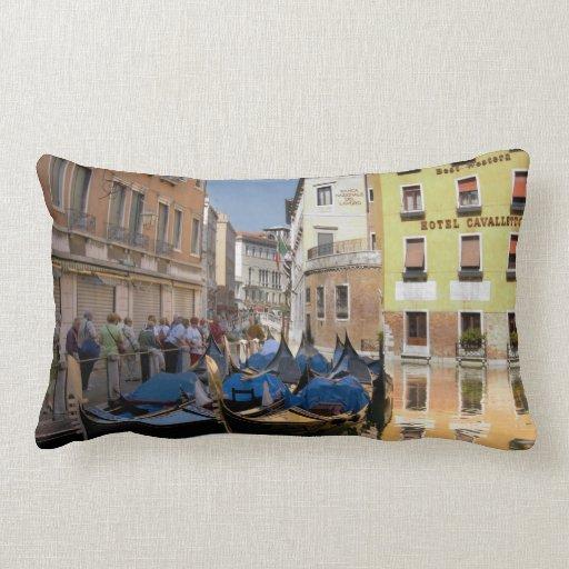 Italia, Venecia, góndolas amarró a lo largo del ca Almohadas
