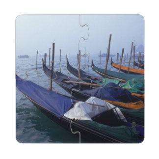 Italia, Venecia. Góndolas Posavasos De Puzzle