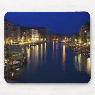 Italia, Venecia, opinión de la noche a lo largo de Alfombrilla De Ratones