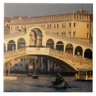 Italia, Véneto, Venecia, canal grande y Rialto Azulejo Cuadrado Grande