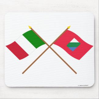 Italia y banderas cruzadas Abruzos Tapete De Raton