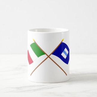 Italia y banderas cruzadas Basilicata Taza Básica Blanca